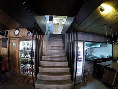 Restaurant & Pub Tanker